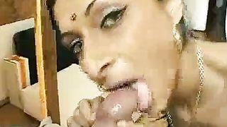 Hawt Aunty Engulfing Dick And Drinking Full Cum From Nephew